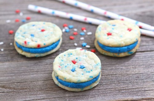 red-white-and-blue-funfetti-sandwich-cookies-11