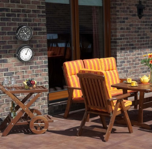 http://www.dreamstime.com/stock-photography-luxury-garden-furniture-patio-image34588032